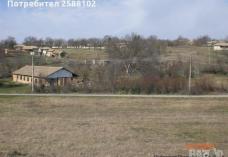 Продава се земя в село  Ломци
